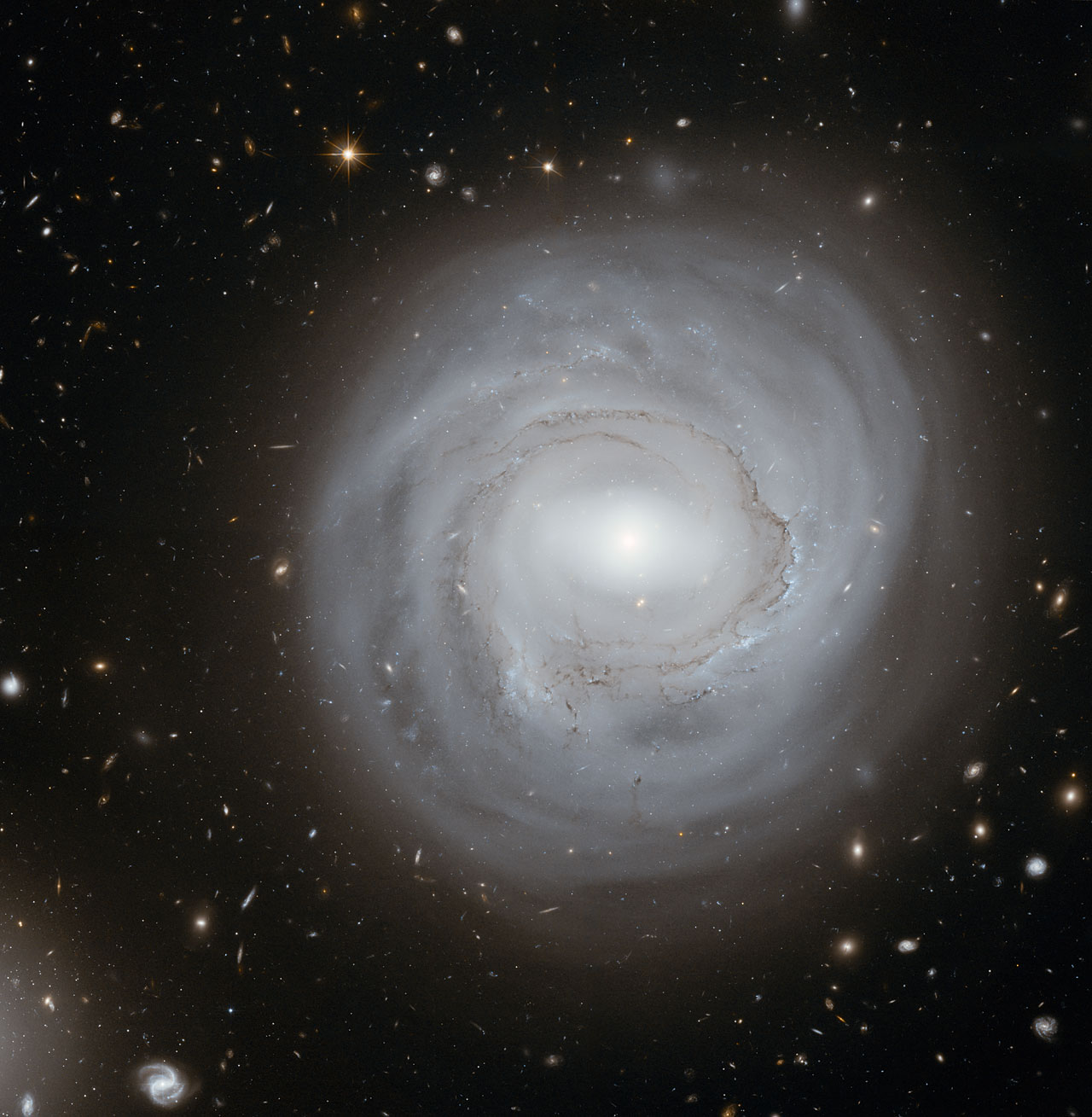 la Galaxie NGC4921 photographiée par Hubble